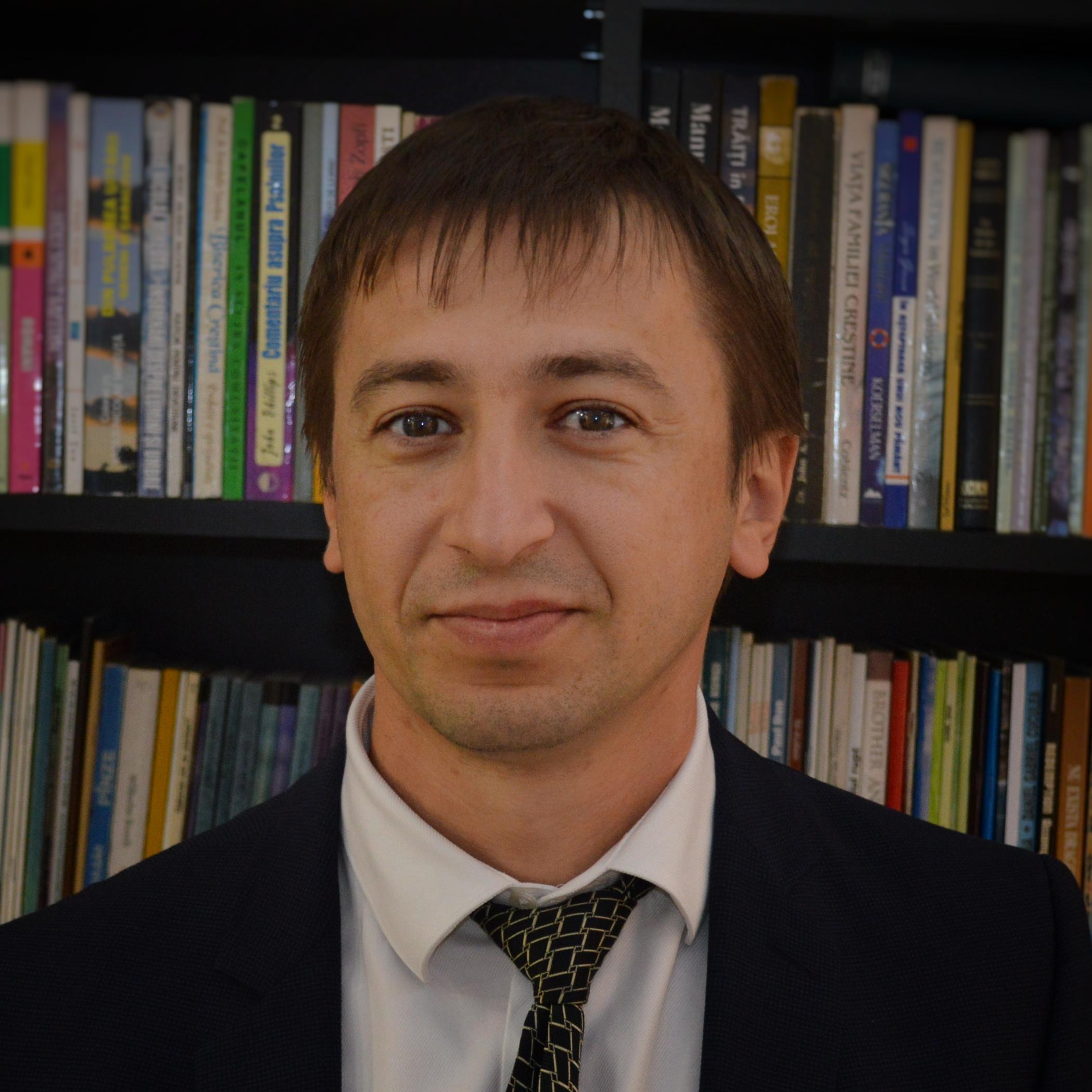Pastor asistent Adriaj Jurj