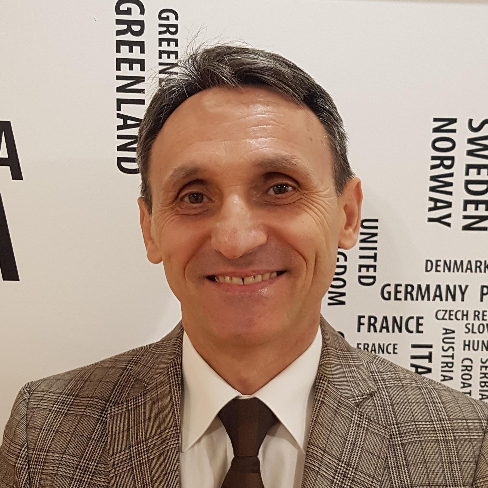 Pastor senior Emil Mestereaga