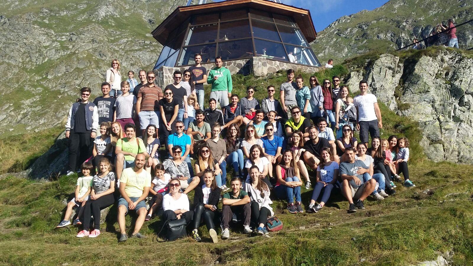 Grup tineret Biserica Vestea Buna Bucuresti in excursie
